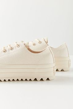 Slide View: 2: Converse Chunk Taylor All Star Lift Ripple Low Top Sneaker