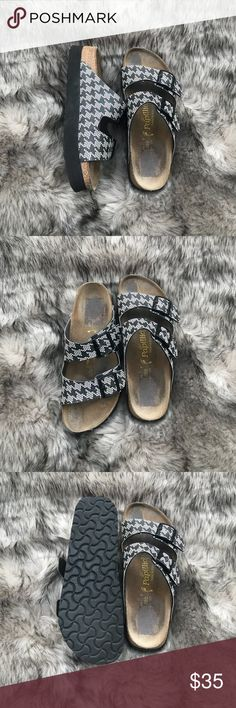 Size 40 Platform Sandals Gently worn Platform sandals. Size 40. Super cute and comfortable. Made in same factory as Birkenstocks. Birkenstock owns this brand! The design is super cute, and perfect for upcoming spring! Birkenstock Shoes Platforms