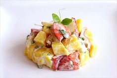 Lobster Recipe: Mango and Lobster Salad Hummerrezept: Mango-Hummer-Salat Lobster Recipes, Fish Recipes, Seafood Recipes, Salad Recipes, Recipies, My Favorite Food, Favorite Recipes, Asian Seafood Recipe, Lobster Salad