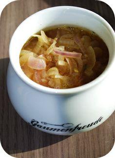 Fräulein Moonstruck kocht!: Soup of the day #3: Zwiebelsuppe