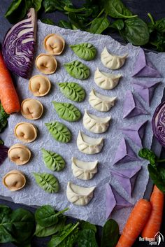 Colourful dumplings for Chinese New Year (Ultimate Dumpling Guide part – Red House Spice So pretty! Could fill each with a different filling too. Dumpling Dough, Dumpling Filling, Pasta Casera, Spinach Juice, Homemade Dumplings, Artificial Food Coloring, Tasty, Yummy Food, Healthy Food