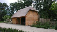 Eiken carport met rieten dak. | Carport / garage | Pinterest ...