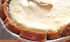 Bestanddele 1 houer gladde roomkaas 1 blik kondensmelk 1 koppie suurlemoen sap 1 gekoopte swissroll blikkie vrugte (Enige soort) ek hou van koejawels of aarbeie houer vars room Klop… Tart Recipes, Cheesecake Recipes, My Recipes, Sweet Recipes, Cooking Recipes, Favorite Recipes, Recipies, Pudding Recipes, Easy Desserts