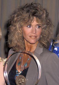 Long or short, Jane Fonda loves big hair. Catherine Deneuve, Marie Christine Barrault, Jane Fonda Barbarella, Orange Lips, Cut Her Hair, Perfect Smile, Long Lashes, Hollywood Actresses, Beautiful Actresses