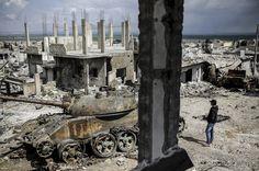 Romok az Iszlám Állam fegyvereseitől idén visszafoglalt Kobaniban.