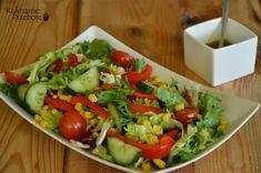 Niskokaloryczna sałatka do pracy lub do obiadu - KulinarnePrzeboje.pl Cobb Salad, Grilling, Recipes, Food, Lunch Ideas, Diet, Crickets, Essen, Eten