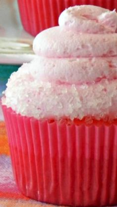 Perfect for Cinco de Mayo, this Watermelon Margarita Cocktail Cake are a cocktail baked into a cake! Baking Cupcakes, Yummy Cupcakes, Cupcake Cookies, Margarita Cupcakes, Watermelon Margarita, Cupcake Ideas, Cupcake Recipes, Dessert Recipes, Drunken Cupcakes