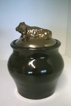 Ceramics urn for dog