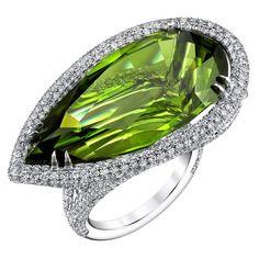 {Pear Shaped Peridot Diamond White Gold Ring} ht