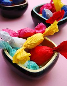 A super simple and fun kid's craft: Making tissue paper candy/sweets (includes a video tutorial)