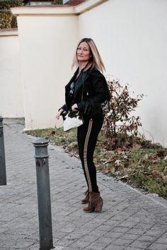 http://www.diseneitorforever.es/fringed-jacket-biker-fajin/ #fashion #look #outfit #blogger #style