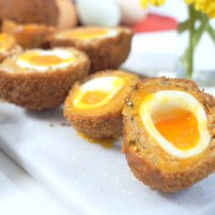 How To Make Scotch Eggs! Scotch Eggs are a traditional British picnic snack but I gave them the VIP treatment with superb quality eggs, crispy crunchy outside and savory sausage wrap. Picnic Snacks, Picnic Foods, Healthy Egg Recipes, Cooking Recipes, Homemade Scotch Eggs, Most Nutrient Dense Foods, Pub Food, Beer Recipes, Egg