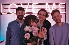 It looks like a happy family photo, and Matty looks like the dramatic emo teen// The 1975