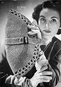 Number 2714 Purse.   This free pattern originally published by The Spool Cotton Company, Book No. 219, in 1945.