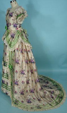 Victorian Dress - c. 1869 Warp Print Silk 3-piece Trained Ballgown