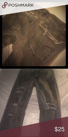 AE distressed jegging Size 4 American Eagle Outfitters Jeans Skinny