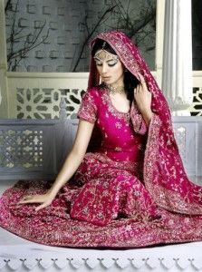 77 best INDIAN & MIDDLE EASTERN WEDDING GOWNS images on Pinterest ...