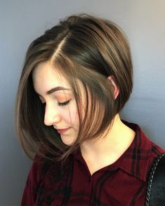 20 Gorgeous Round Face Haircuts for an Ultimate Appearance - Haircuts & Hairstyl. 20 Gorgeous Round Face Haircuts for an Ultimate Appearance - Haircuts & Hairstyles 2020 20 Gorgeous Round Face Haircut. for round face Chubby Face Haircuts, Hairstyle For Chubby Face, Haircuts For Round Face Shape, Hairstyles For Fat Faces, Short Hair Cuts For Round Faces, Short Hair With Bangs, Short Hair With Layers, Short Hair Cuts For Women, Short Hairstyles
