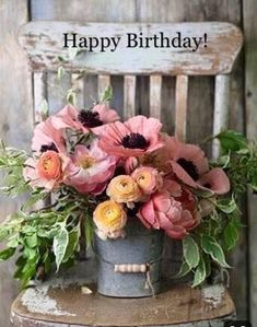 Flowers Beautiful Bouquet Inspiration 24 Ideas For 2019 Happy Birthday Flower, Happy Birthday Greetings, Happy Birthday Vintage, Happy Birthday Beautiful, Ranuculus Bouquet, Ranunculus, Wedding Bouquets, Wedding Flowers, Wedding Colors