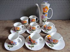 Vintage Dolly Days coffee set designed by John Russell for Hostess Tableware | H is for Home