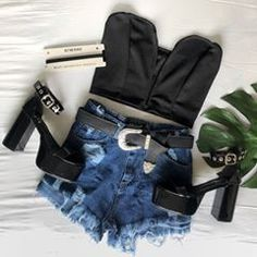 🔥 #kwnlook > strapless cuore $399➕short denim $539➕rachel charol $1999 (📍Sucursales + ✈️ link envios en la BIO) Fiesta Outfit, Miu Miu Ballet Flats, Aesthetic Clothes, Outfits Primavera, Denim Shorts, Grunge Outfits, Boots, Showroom, Instagram