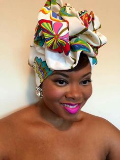 This look just gets better and better African Beauty, African Fashion, Mode Turban, African Head Wraps, Hair Cover, Head Wrap Scarf, Turban Style, Natural Hair Inspiration, Scarf Hairstyles