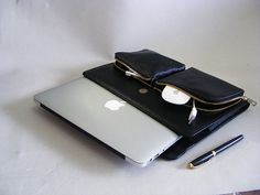 Full Grain Leather Apple Macbook Air Carrying Case with Outside Zipper Bags for Mac Air 13 inch