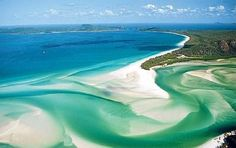 Whitehaven Beach, Whitsunday Islands in AustraliaGreat Barrier Reef, Australia