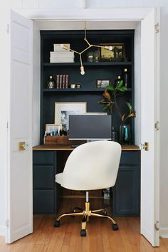 Tiny Home Office, Home Office Closet, Small Space Office, Home Office Space, Home Office Design, Home Office Decor, Small Spaces, Office Ideas, Closet Desk