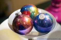 Glitter Galaxy Ornament DIY — This is hands down the most wanted ornament I wanna make!