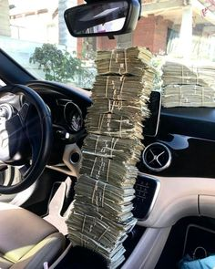 Pin by mysource on millionaires lifestyle in 2019 διαμάντια, My Money, How To Get Money, Cash Money, Gold Money, Rich Lifestyle, Luxury Lifestyle, Wealthy Lifestyle, Jackpot Winners, Money Stacks