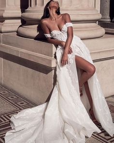 15 Awesome Strapless Wedding Dresses For Every Bride ❤ strapless wedding dresses princess off the shoulder with slit lostinlove photography #weddingforward #wedding #bride #weddingoutfit #bridaloutfit #weddinggown