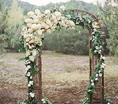 Arcos de flores e outras ideias incríveis para o seu casamento