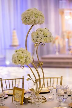love these wavy centerpiece holders