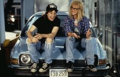Wayne's World the film 'Fortress Hollywood' wants you to see - not! Last Minute Halloween Costumes, Pop Culture Halloween Costume, Halloween Ideas, Halloween 2017, Halloween Makeup, Halloween Crafts, Halloween Party, Waynes World Hat, 90s Pop Culture