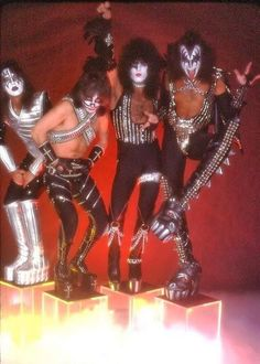 Kiss World, Kiss Members, Vinnie Vincent, Eric Carr, Peter Criss, Kiss Pictures, Kiss Photo, Kiss Band, Greatest Rock Bands