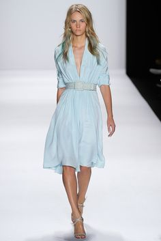 Pantone Colour Report Spring 2015 trends / aquamarine / how to wear aquamarine / outfit ideas / fashion collections S/S 2015 / Badgeley&Mischka Spring 2015 / via fashioned by love british fashion blog