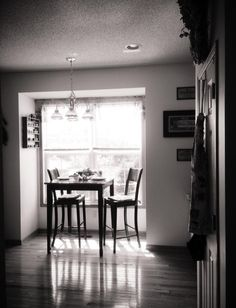 Kitchen bistro set