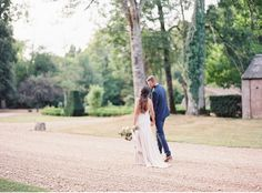 Hand in hand | Movement during the couple session | Eloping in France | Fine art destination wedding photographer Madalina Sheldon  | Silk gown | Opulent wedding florals