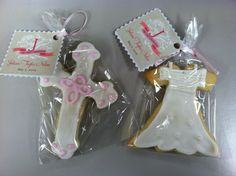 @Michelle Belveduto her awesome first communion cookie favors!