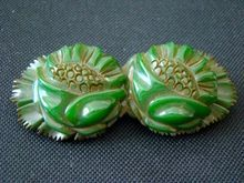 Gorgeous Big Old Chunky BAKELITE Carved Floral Bar Pin, Spinach Green