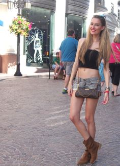 Shopping at Rodeo Drive  7-4-2014  Boots: Alpe / Short: Bershka / Crop top: Venca / Bag: Louis Vuitton