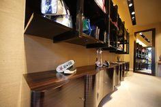DOM EDIZIONI Luxury store #domedizioni #luxurystore #wavecabinet #luxuryfurniture #cabinet #ebony