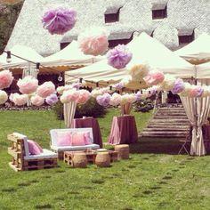 5 ideas para decorar tu boda con pompones de papel de seda