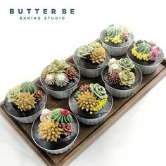 "82 Likes, 4 Comments - Butterbe Baking Studio.Korea (@butterbe1005) on Instagram: ""#buttercreamflowercake #flowercake #flower #buttercream #buttercreamcake #cupcake #cake #buttercake…"""