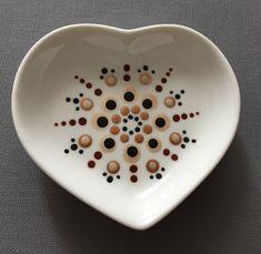 Mandala Painting, Dot Painting, Mandala Dots, Diy Clay, Clay Creations, Home Decor Accessories, Handmade Items, Plates, Drawings