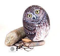 Hand painted rocks.Wildlife animals painted on stone.