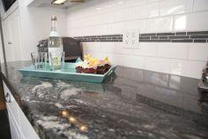 White Subway Tile Backsplash Design Ideas, Pictures, Remodel, and Decor White Subway Tile Backsplash, Subway Tile Kitchen, Kitchen Backsplash, Diy Kitchen, Backsplash Design, Kitchen Ideas, Backsplash Ideas, Subway Tiles, Kitchen Counters