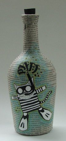 Botella pintada Crafts With Glass Jars, Recycled Glass Bottles, Glass Bottle Crafts, Wine Bottle Art, Painted Wine Bottles, Diy Bottle, Bottles And Jars, Jar Crafts, Altered Bottles