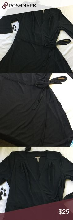 """{OLD NAVY}- NWOT- flap over swing dress - gathering at top shoulders - flap over n tie side- 3/4 sleeves - bust : 20/21"""" LF but has a lot of stretch, so depending how u like to wear your dress, can be loose or form fitted with cleavage- swing bottom- 43"""" in length ....woman's XL and true to size with room- 100% poly... Old Navy Dresses"""